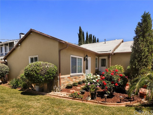 7024 Glade Avenue, Canoga Park, CA 91303
