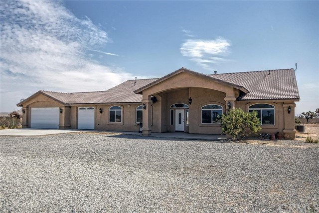 13439 Smith Road, Phelan, CA 92371