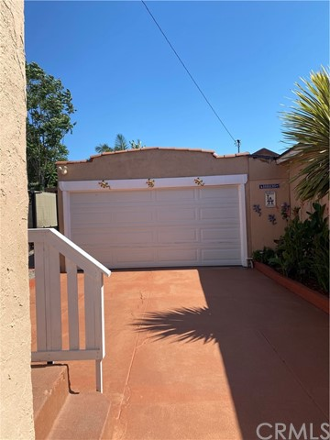 14. 608 E Elm Street Compton, CA 90221