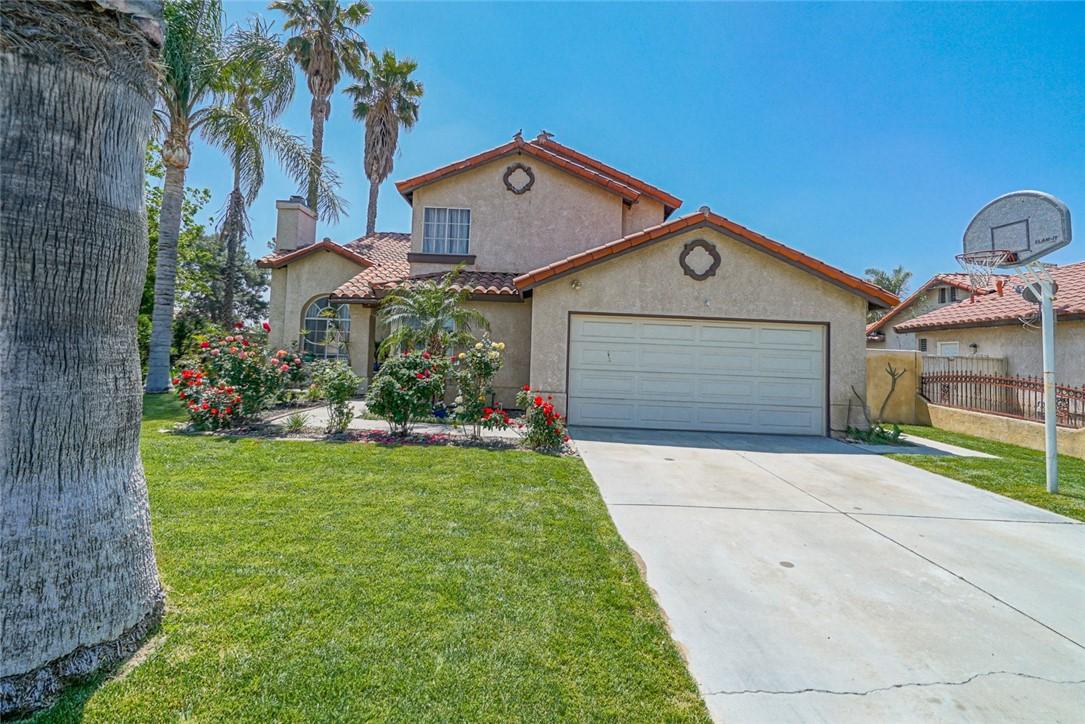 1261 W Woodcrest St, Bloomington, CA 92316 Photo