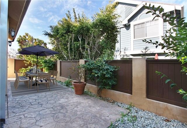 2223 Bataan Road, Redondo Beach, California 90278, 4 Bedrooms Bedrooms, ,2 BathroomsBathrooms,Townhouse,For Sale,Bataan,SB18295975