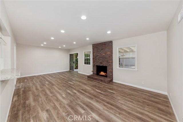 8847 Woodley Avenue, North Hills, CA 91343