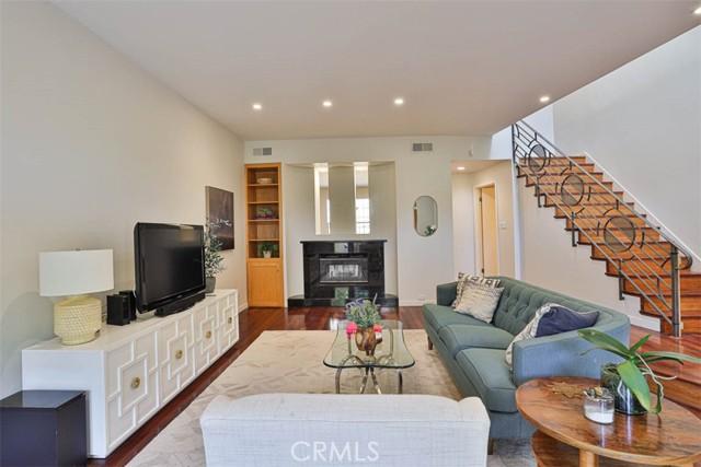 3946 Carpenter Avenue 4, Studio City, CA 91604