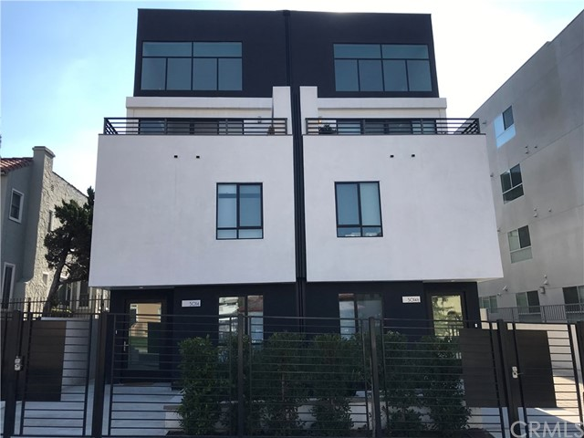 Property for sale at 5016 Rosewood Avenue, Los Angeles,  California 90004