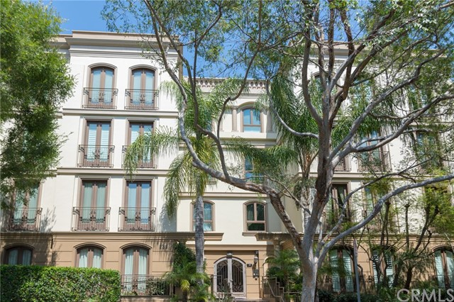 132 S Crescent Drive PH403, Beverly Hills, CA 90212