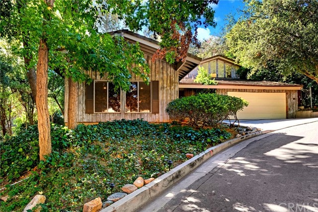438 Somerset Place, La Canada Flintridge, CA 91011
