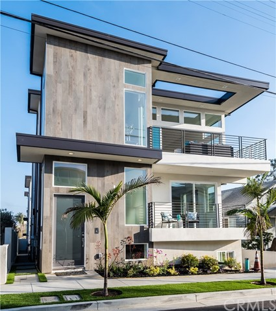 1022 7th Street, Hermosa Beach, California 90254, 5 Bedrooms Bedrooms, ,4 BathroomsBathrooms,For Sale,7th,SB18110158