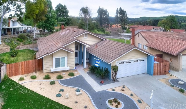 12 Red Oak Circle, Phillips Ranch, CA 91766