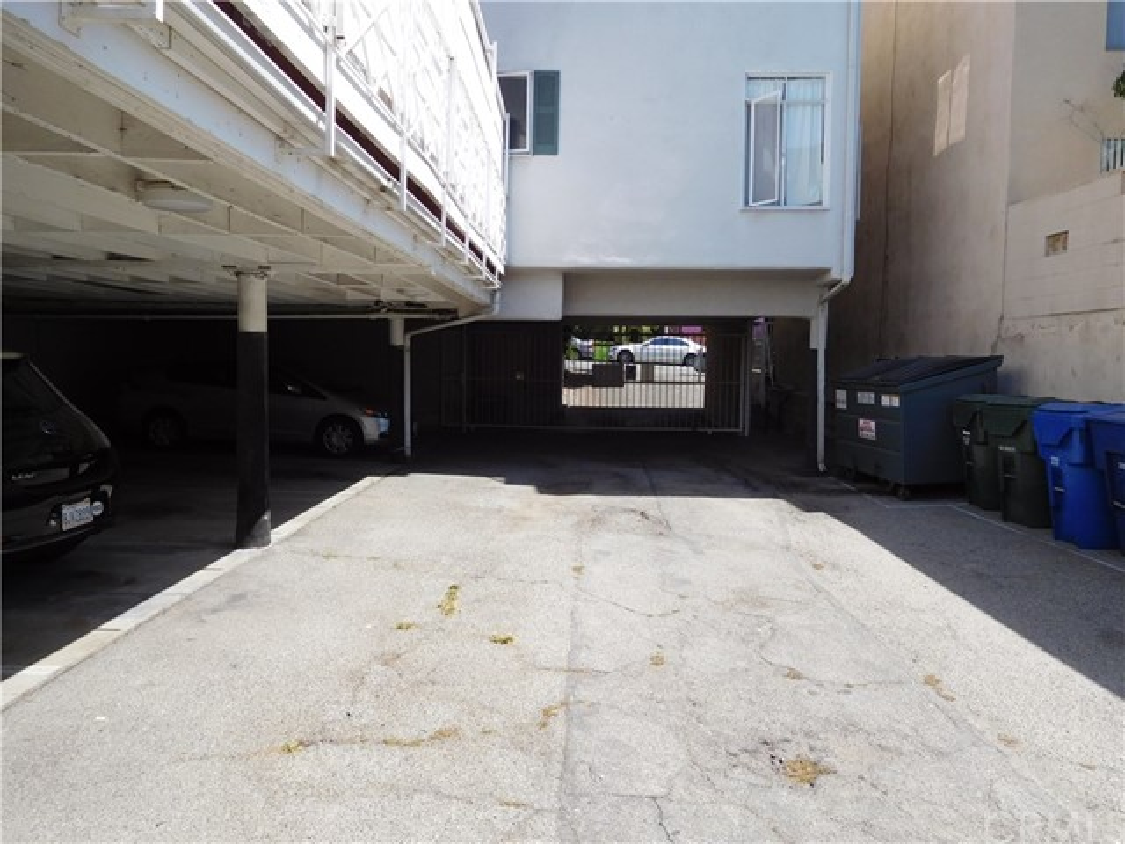 1275 N Harper Avenue #24