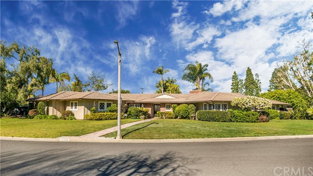 1430 La Perla Avenue, Long Beach, CA 90815