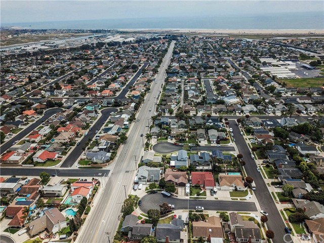 9471 Mokihana Drive, Huntington Beach, CA 92646