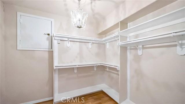 952 8th Street, Hermosa Beach, California 90254, 4 Bedrooms Bedrooms, ,3 BathroomsBathrooms,For Sale,8th,SB20164788