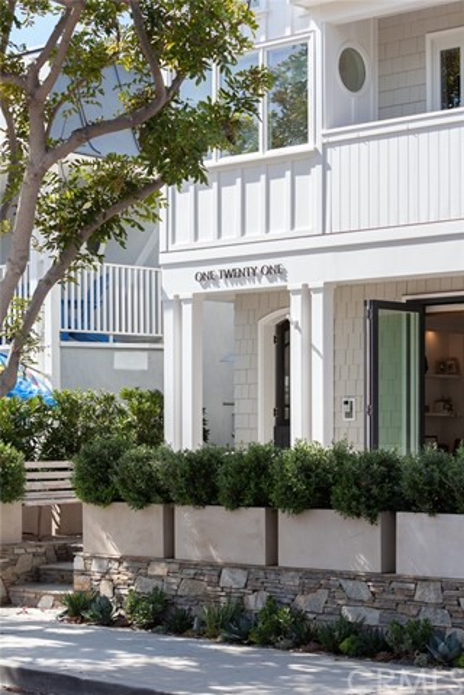 121 Garnet Avenue, Newport Beach, CA 92662
