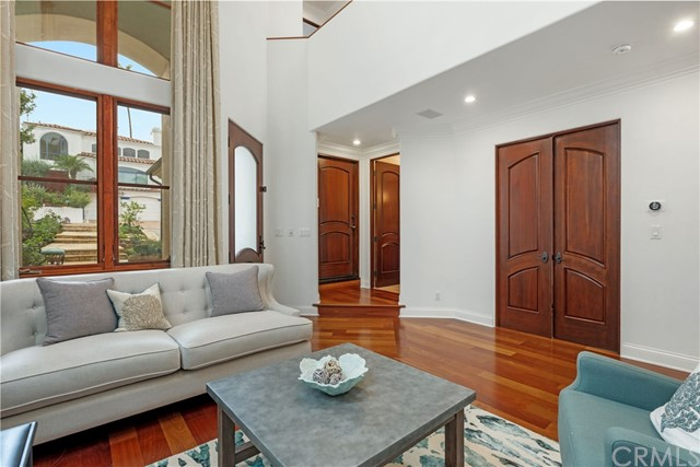 2312 Poinsettia Avenue, Manhattan Beach, California 90266, 5 Bedrooms Bedrooms, ,5 BathroomsBathrooms,For Sale,Poinsettia,SB20236689