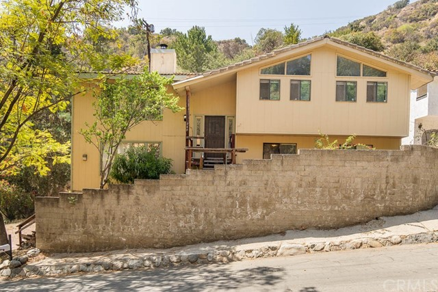 949 Country Club Dr, Burbank, CA 91501 Photo