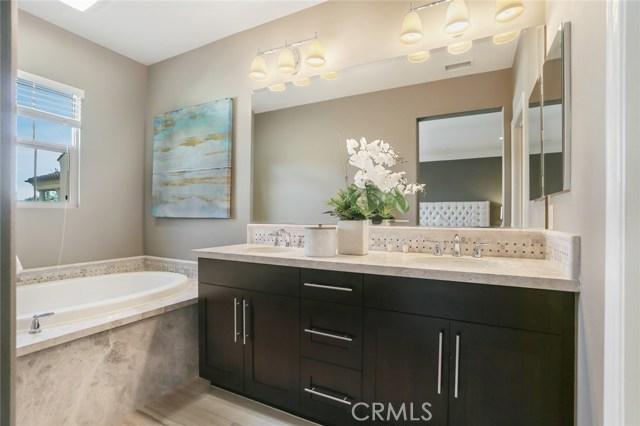 Master Bathroom with Upgrade Tub and Backsplash