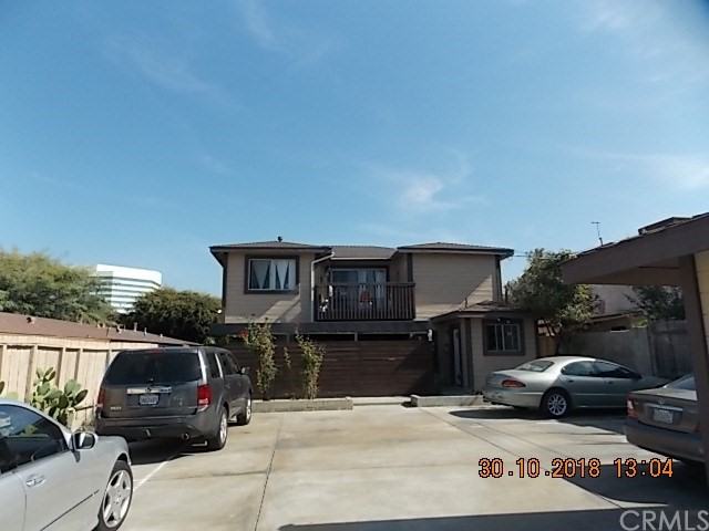 17102 Oak Lane 4, Huntington Beach, CA 92647