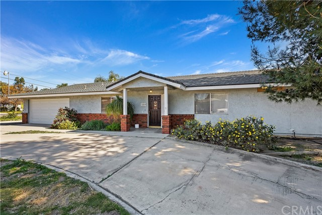10809 Spruce Avenue, Bloomington, CA 92316