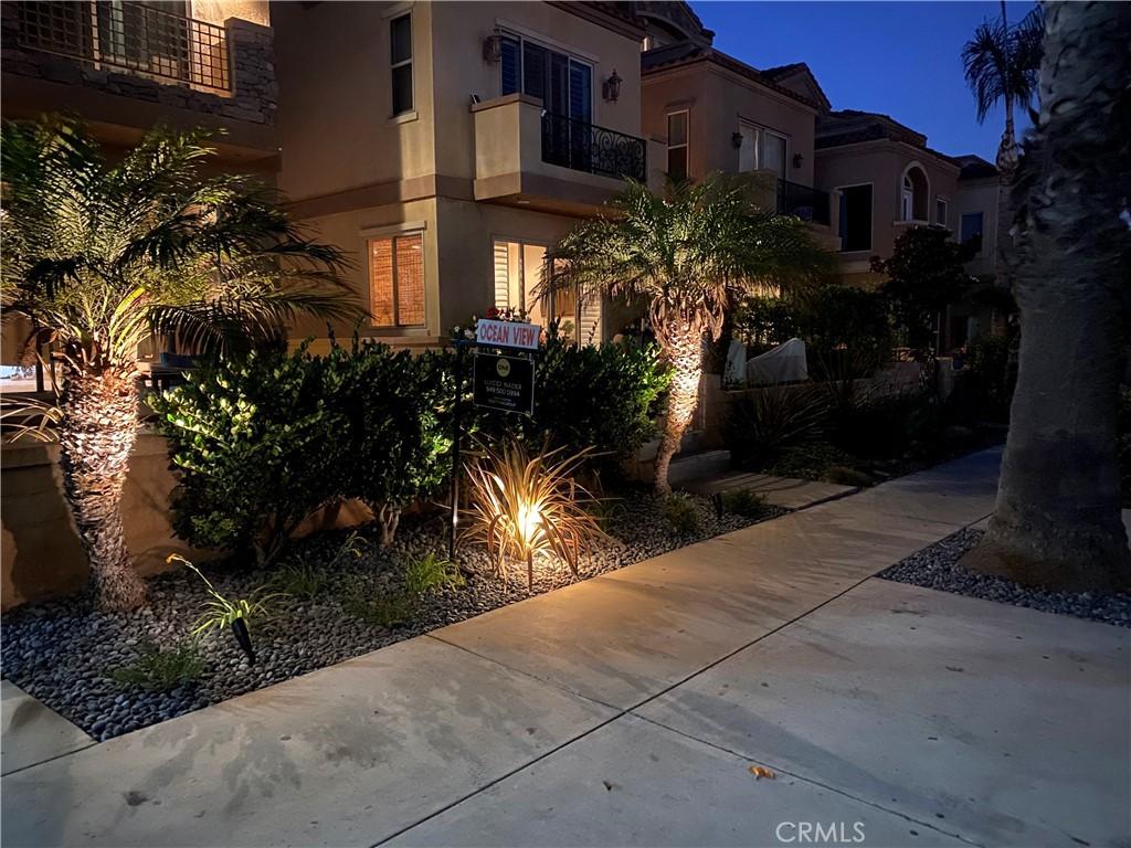 111 seventh street, Huntington Beach, CA 92648