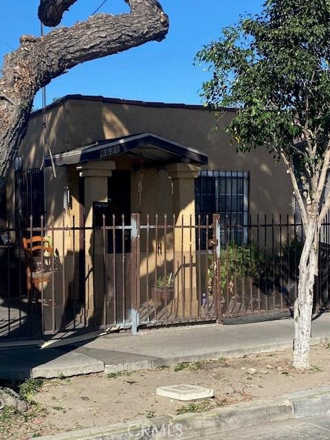 6621 Holmes Avenue, Los Angeles, CA 90001