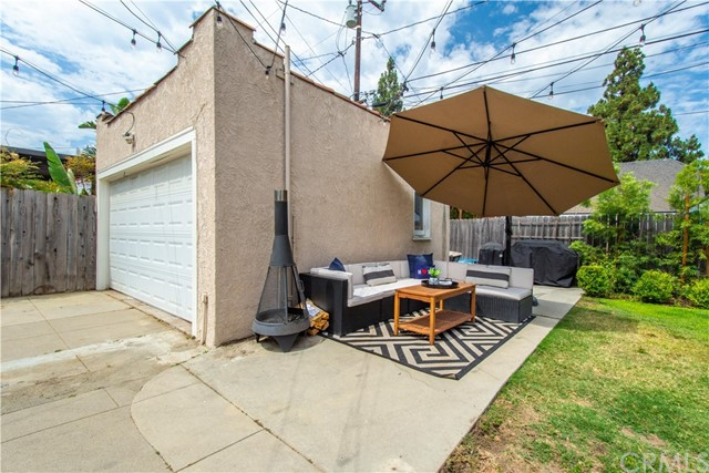 924 N. Olive Street-Garage & Sitting Area