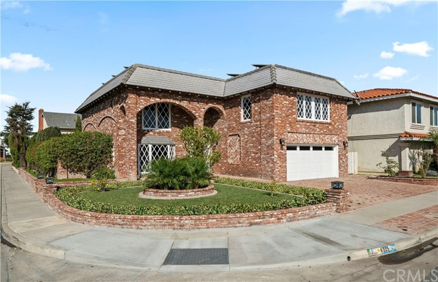 4525 Hazelnut Avenue, Seal Beach, CA 90740