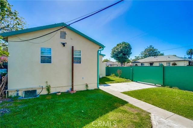 52. 2661 Thurman Avenue Los Angeles, CA 90016