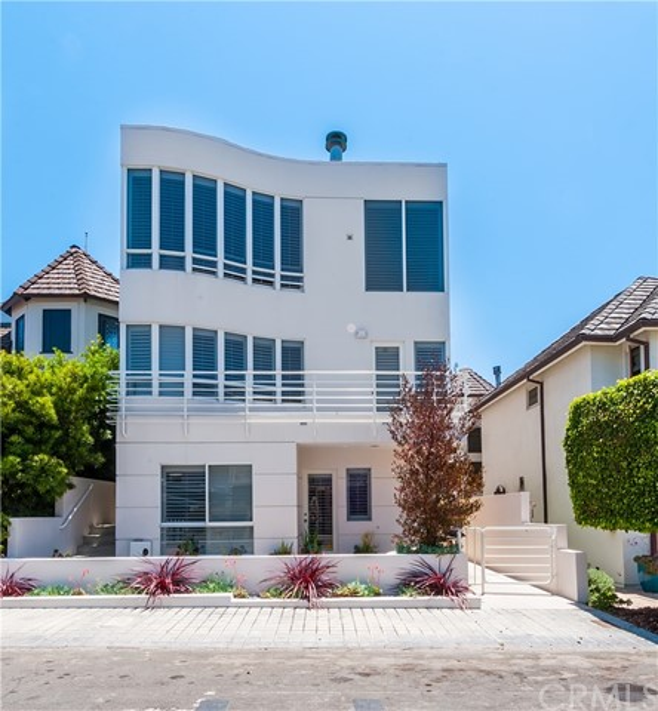 452 27th Street, Manhattan Beach, California 90266, 5 Bedrooms Bedrooms, ,3 BathroomsBathrooms,For Sale,27th,SB18028282