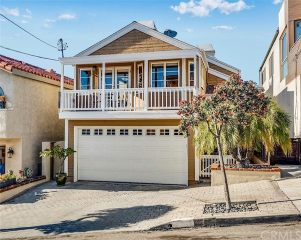 521 13th Street, Manhattan Beach, California 90266, 3 Bedrooms Bedrooms, ,1 BathroomBathrooms,For Sale,13th,PW19054857