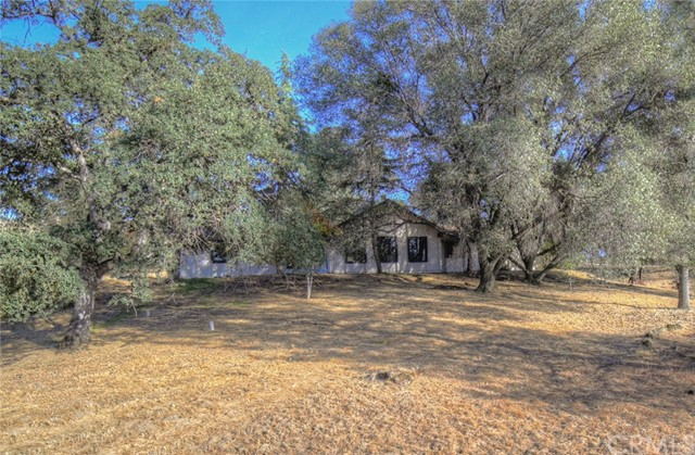 43016 Running Deer Dr, Coarsegold, CA 93614