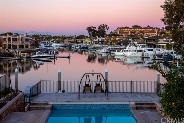 12 Harbor Island, Newport Beach, CA 92660