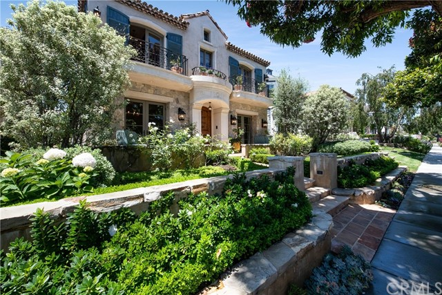 Photo of 227 Poinsettia Avenue, Corona del Mar, CA 92625