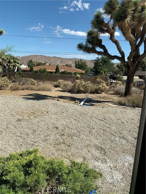 24. 56488 El Dorado Drive Yucca Valley, CA 92284