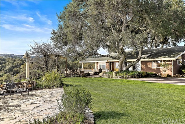 1251 Deerfield Road, Templeton, CA 93465