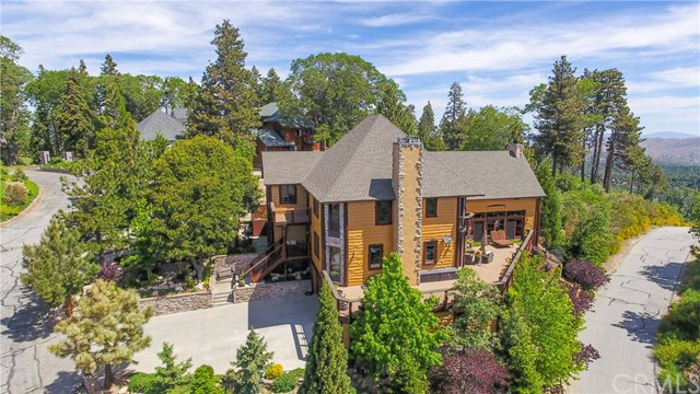 1011 Black Oaks Drive, Lake Arrowhead, CA 92352