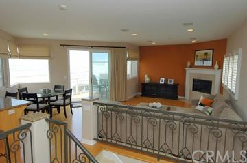 228 21st Place, Manhattan Beach, California 90266, 3 Bedrooms Bedrooms, ,3 BathroomsBathrooms,For Sale,21st,S950734