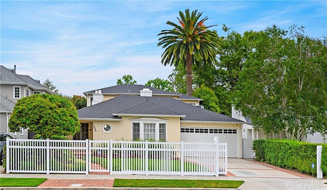 4225 Camellia Avenue, Studio City, CA 91604
