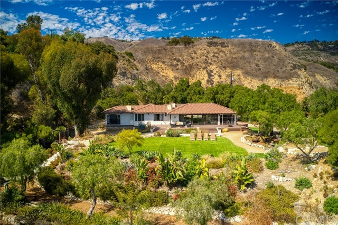 1 W Pomegranate Road, Rancho Palos Verdes, CA 90275