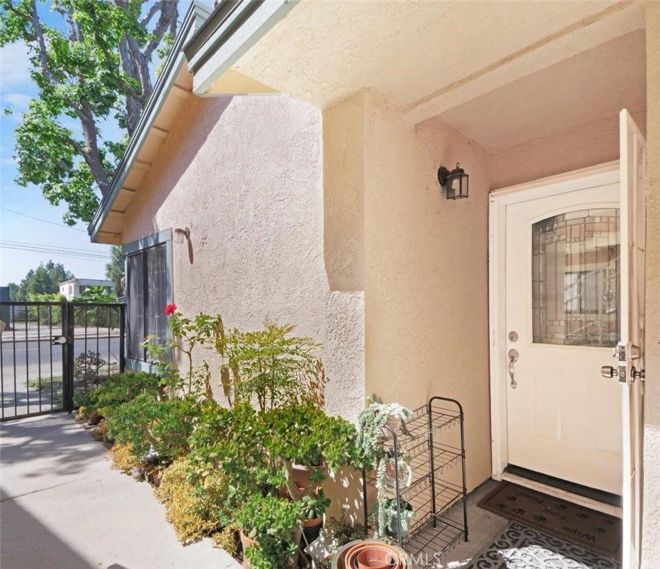 2156     Santa Fe Avenue   15, Long Beach CA 90810