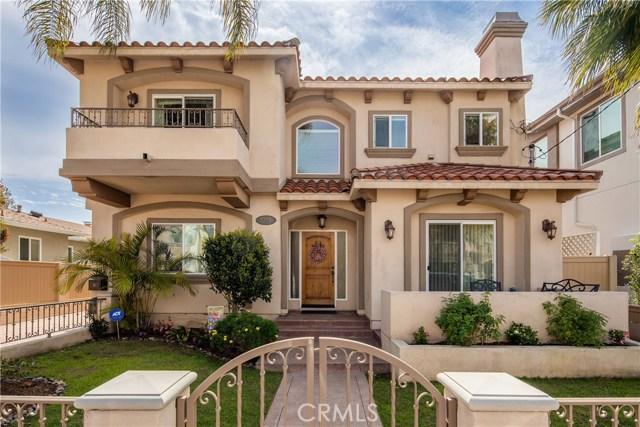2208 Warfield Avenue, Redondo Beach, California 90278, 4 Bedrooms Bedrooms, ,2 BathroomsBathrooms,Townhouse,For Sale,Warfield,SB19044188