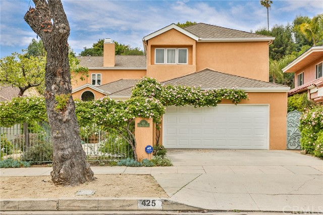 Photo of 425 N Bowling Green Way, Brentwood, CA 90049