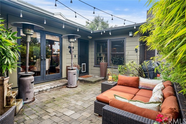 1829 Poinsettia Avenue, Manhattan Beach, California 90266, 3 Bedrooms Bedrooms, ,2 BathroomsBathrooms,For Sale,Poinsettia,SB20054439