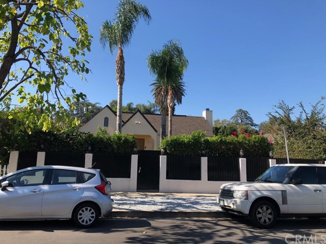 4611 Saloma Avenue, Sherman Oaks, CA 91403