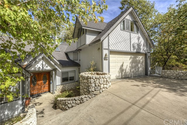877 Talisman Lane, Lake Arrowhead, CA 92352