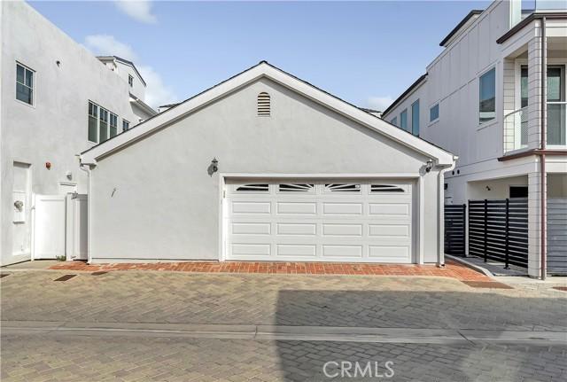 1509 E Ocean Boulevard, Newport Beach CA: https://media.crmls.org/medias/989612fe-c8a8-4b1e-925e-4f44923af085.jpg