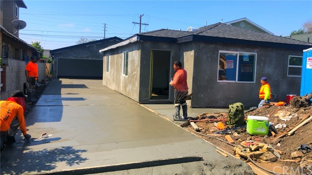 3242 W 59th Place, Los Angeles, CA 90043