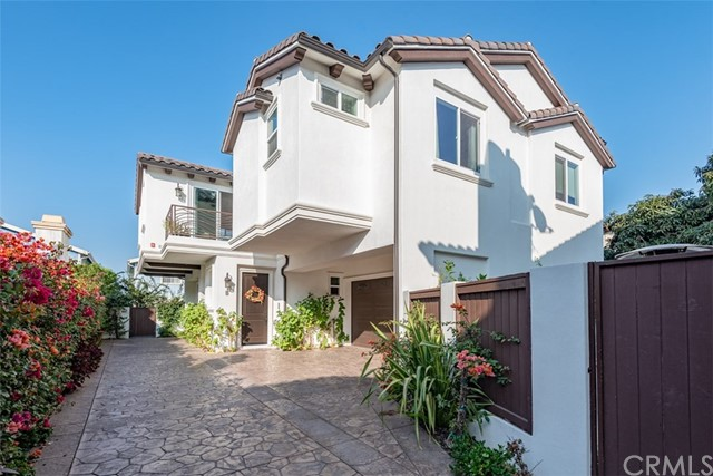 2019 Farrell Avenue, Redondo Beach, California 90278, 4 Bedrooms Bedrooms, ,3 BathroomsBathrooms,Townhouse,For Sale,Farrell,PV18280425
