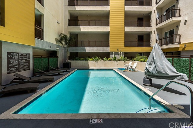 41. 2939 Leeward Avenue #602 Los Angeles, CA 90005
