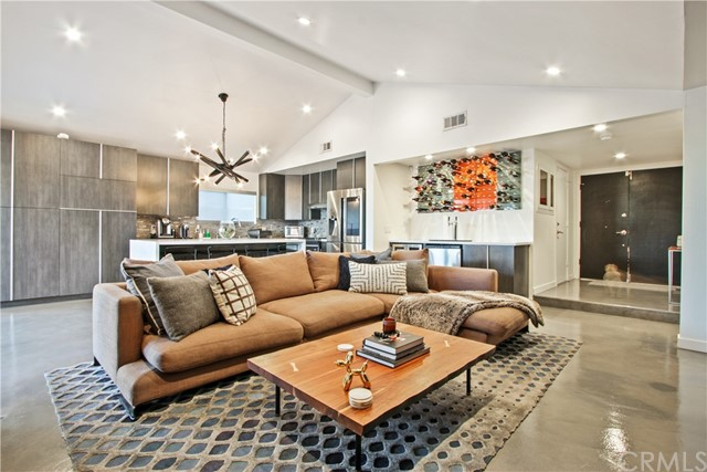 3205 S Olive Street, Santa Ana, CA 92707