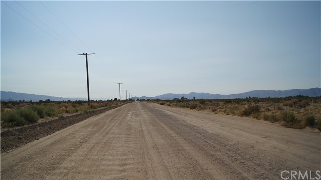 37023 Rabbit Springs Rd, Lucerne Valley, CA 92356 Photo 12